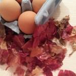 Joia Verde și ouăle vopsite cu foi de ceapă