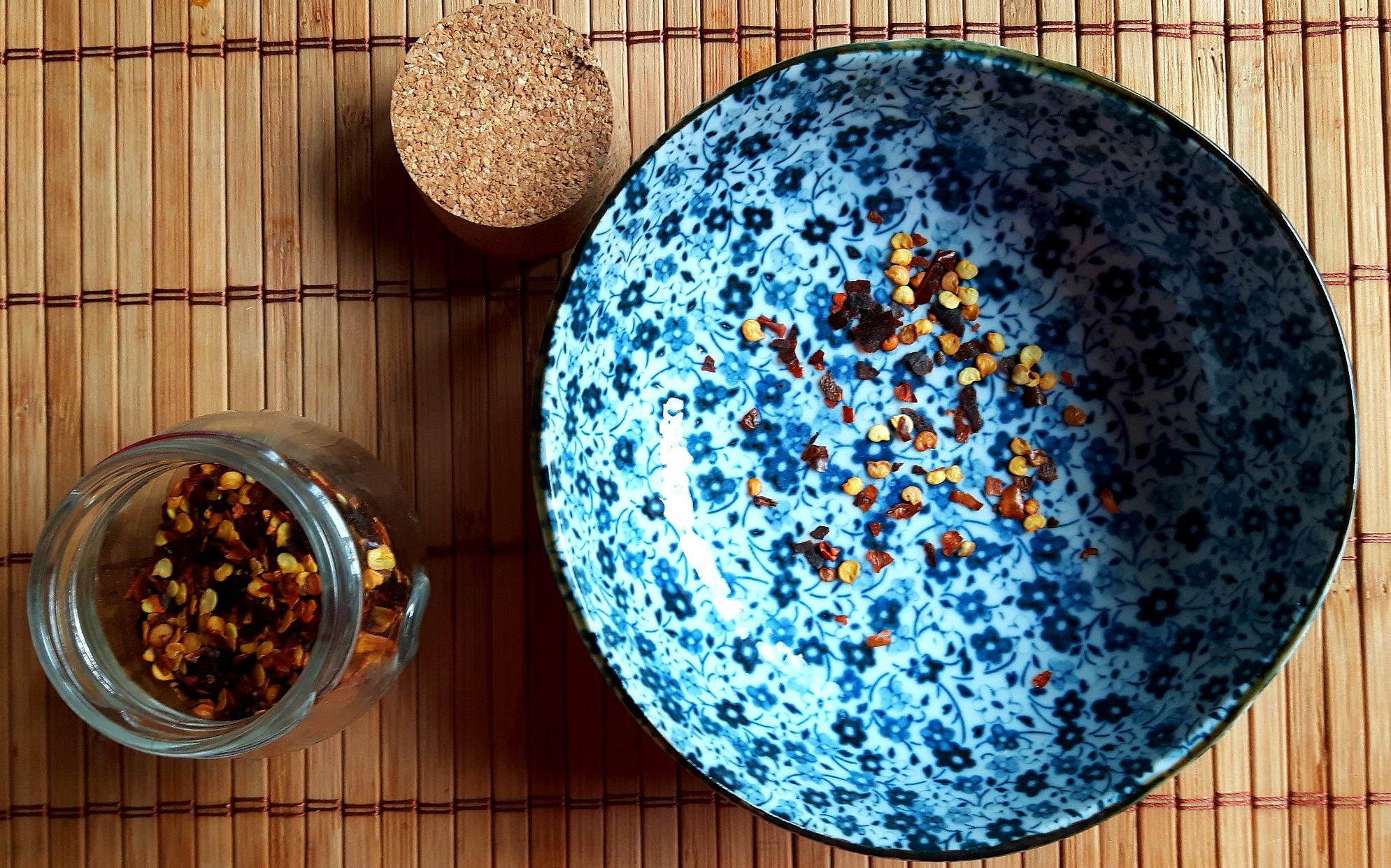5 condimente pe care trebuie să le ai pentru a găti mâncare asiatică