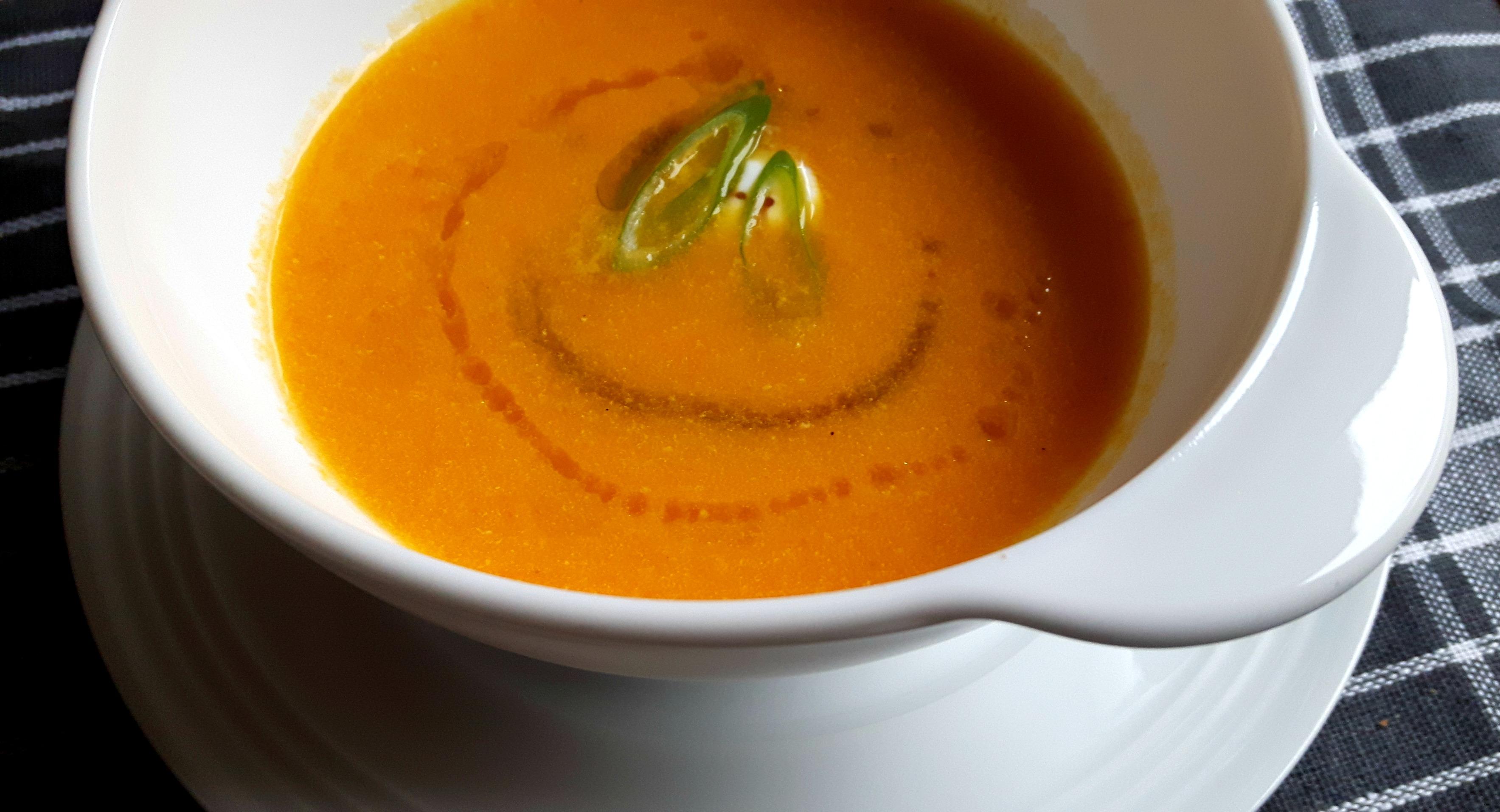 Încălzește-te cu o supă cremă de morcovi ruptă din...soare