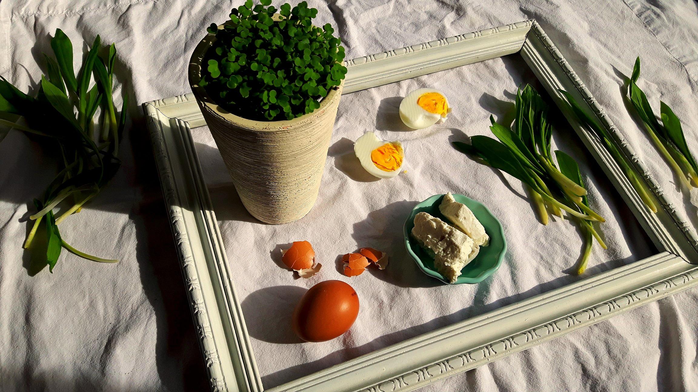 Ouă umplute cu leurdă și mai multe despre 29 februarie