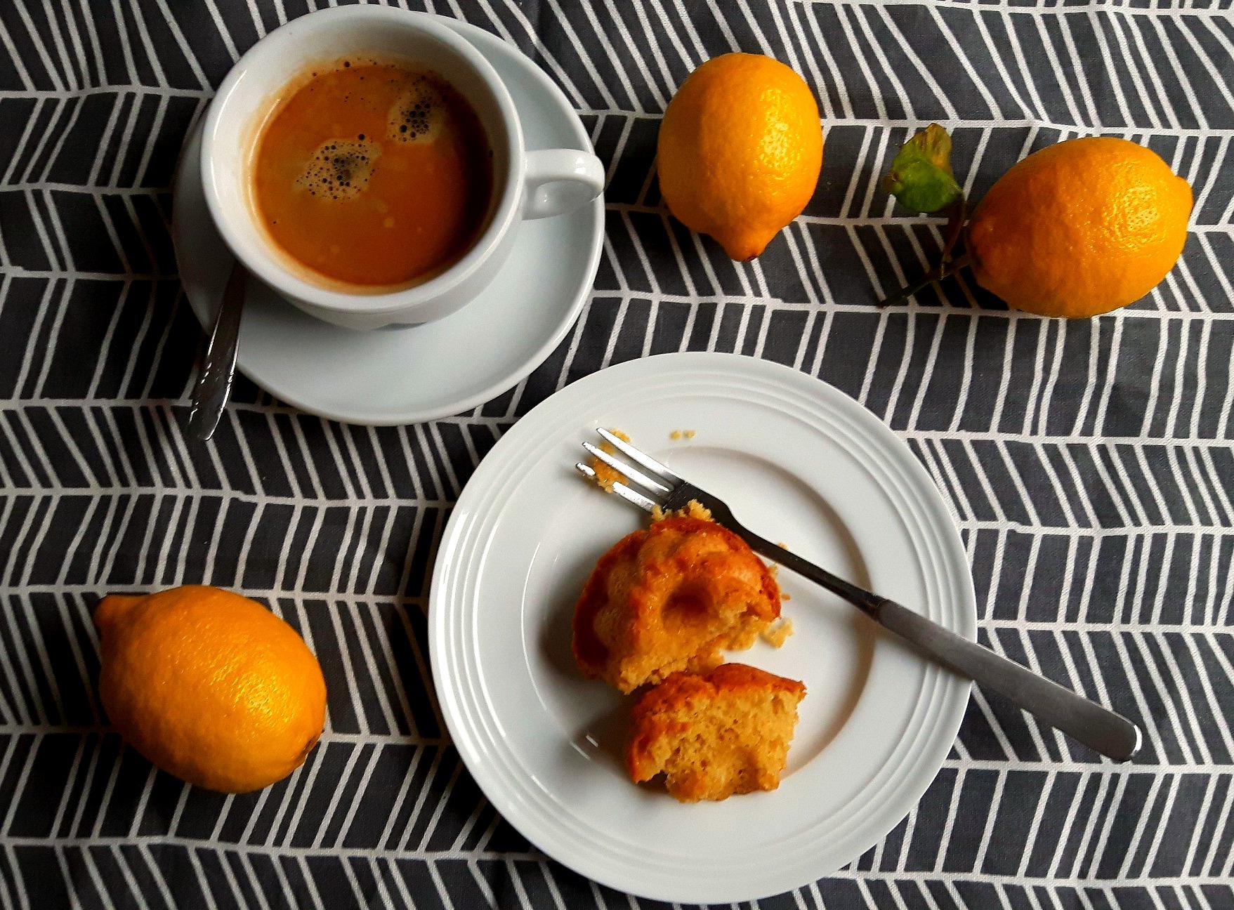 Savoare dulce-acrișoară: mini prăjituri cu lămâie