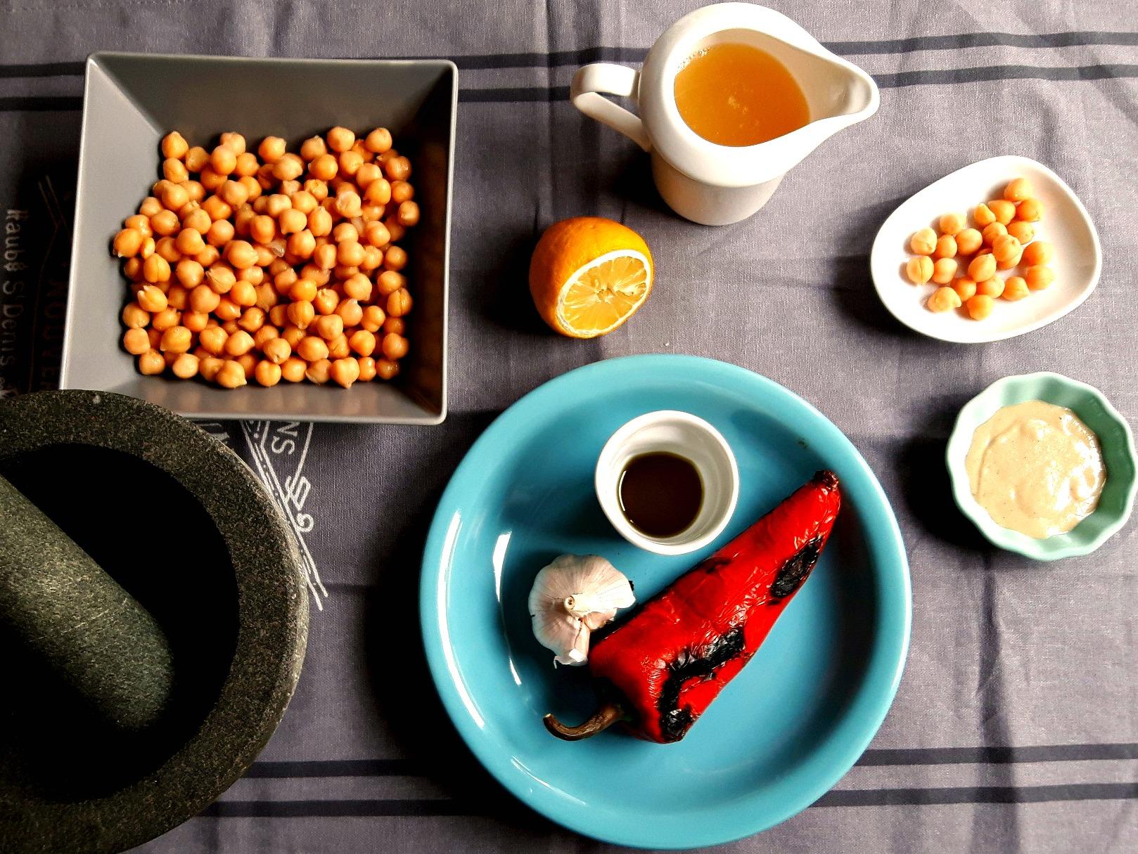 Simplitatea și deliciul absolut: hummus cu ardei copt