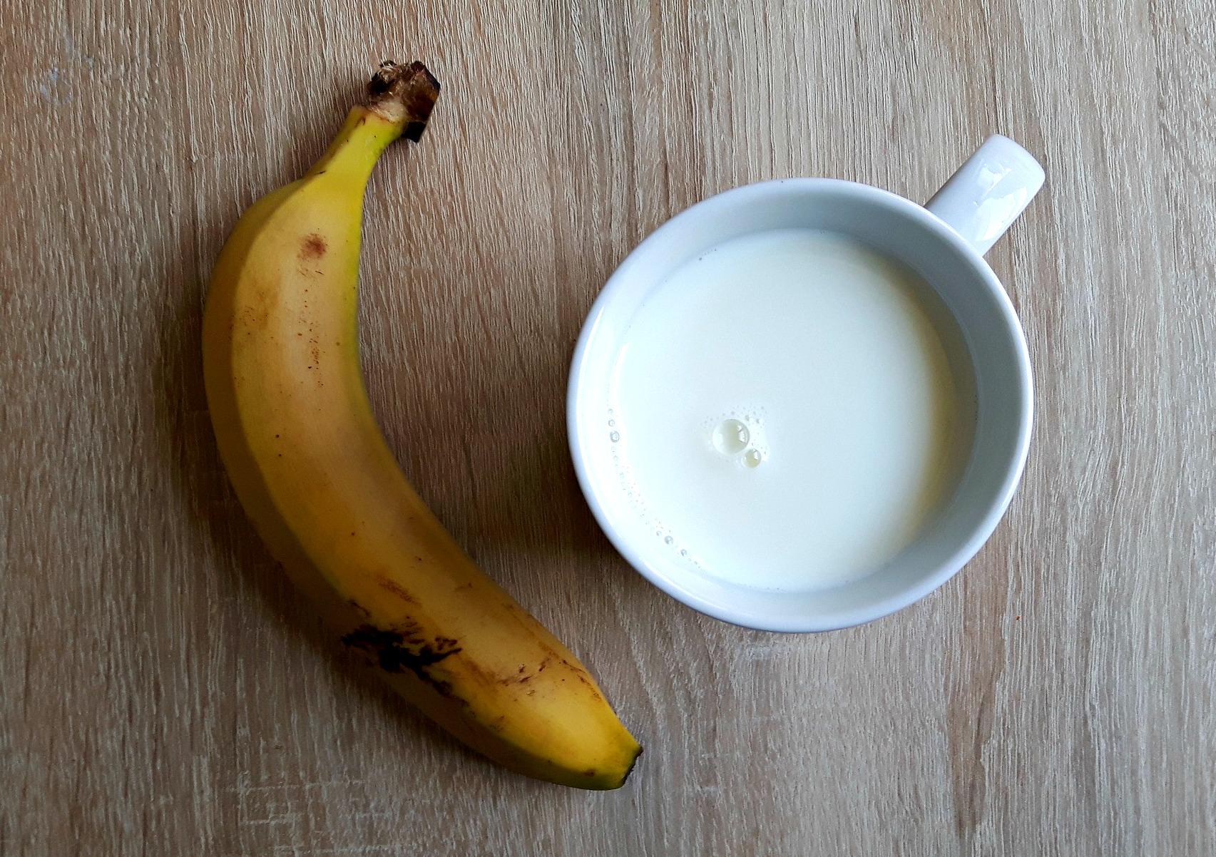Lapte cu banane și puțin iaurt