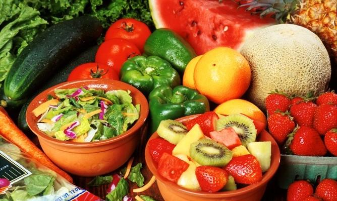 8 idei pentru a mânca (mai) sănătos