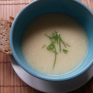 Supă cremă de ţelină...o supă cu subtilităţi de poveste