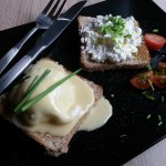 Mic dejun sofisticat: Ou Benedict și o fărâmă de sănătate