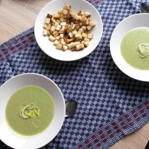 Cenuşăreasa cu un condur de aur: supa cremă de praz şi gustul ei