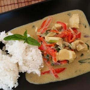 Pui tailandez in lapte de cocos și muuult albastru de Mediterana