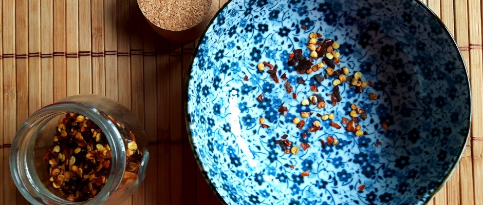 5 condimente pe care trebuie să le ai pentru a găti mâncare asiatică la tine acasă