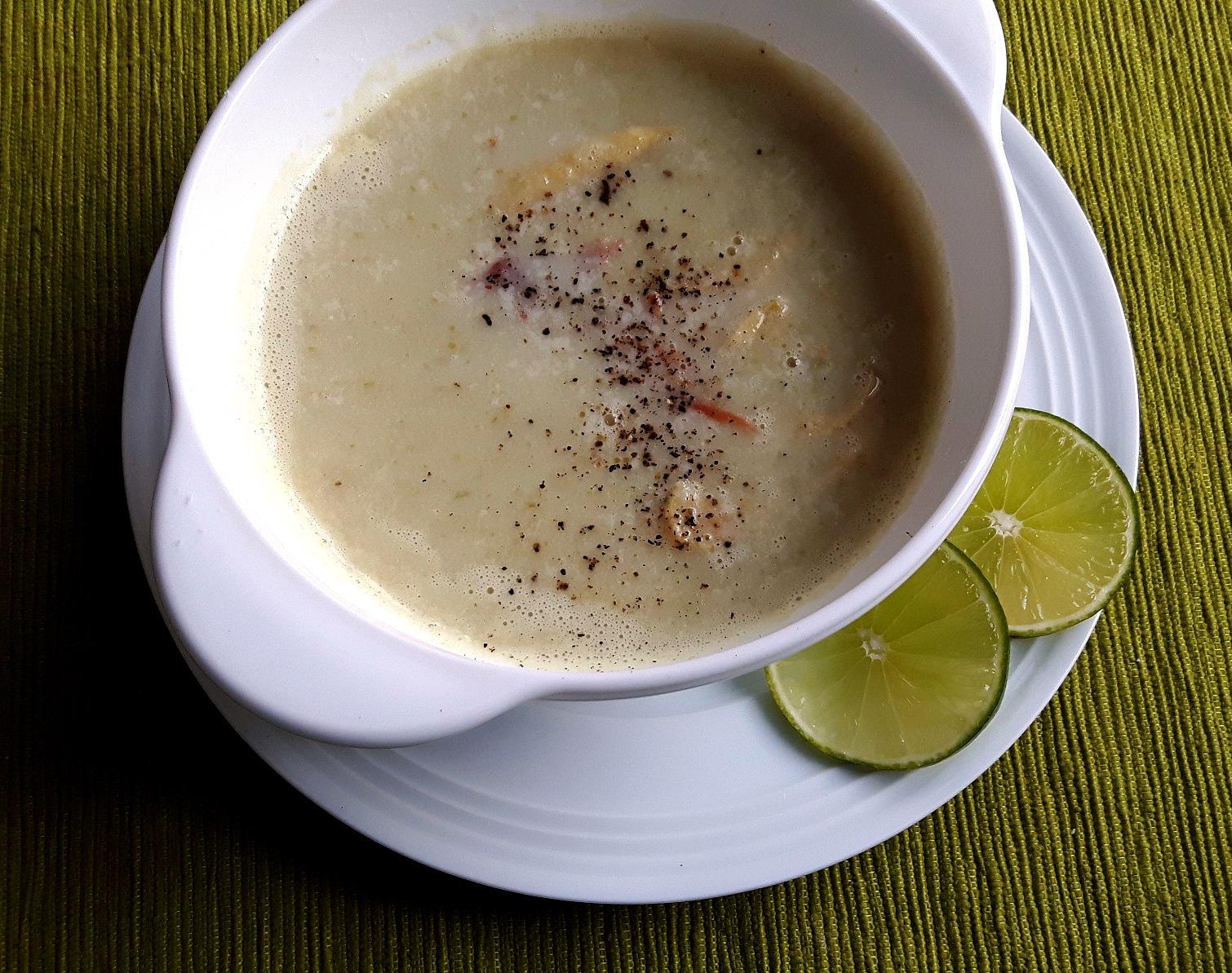 Supă cremă de salată născută și crescută, ca mine, în Transilvania