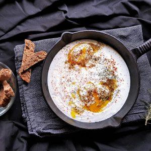Mâncarea în vremea COVID: Ouă Cilbir. Turcești adică
